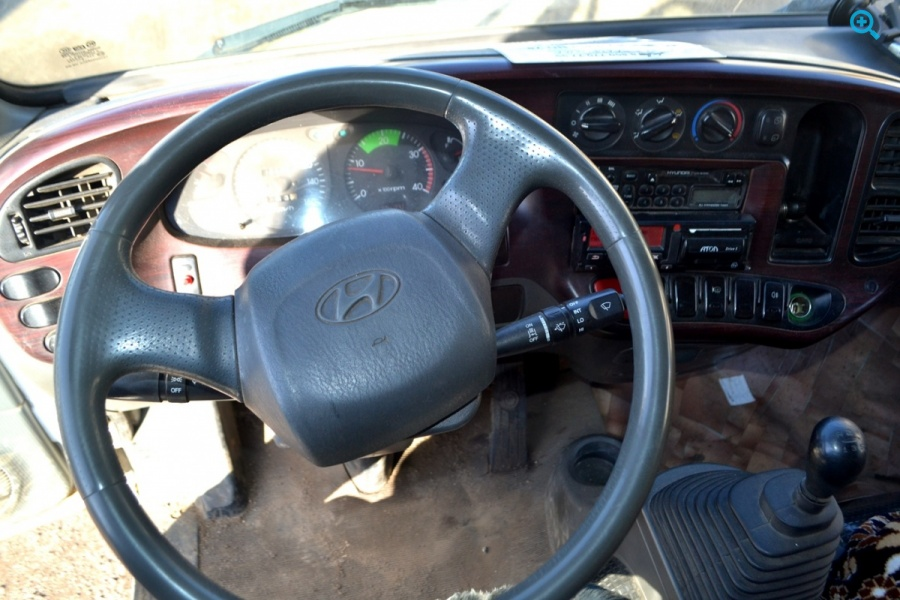 Грузовик рефрижератор Hyundai HD78.