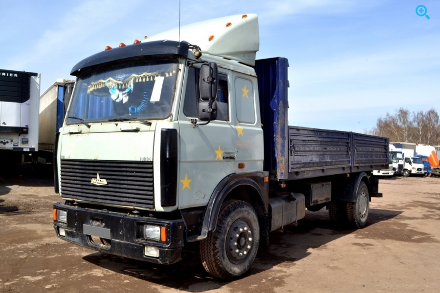 Грузовик бортовой МАЗ 53366-021. Год выпуска 2001.