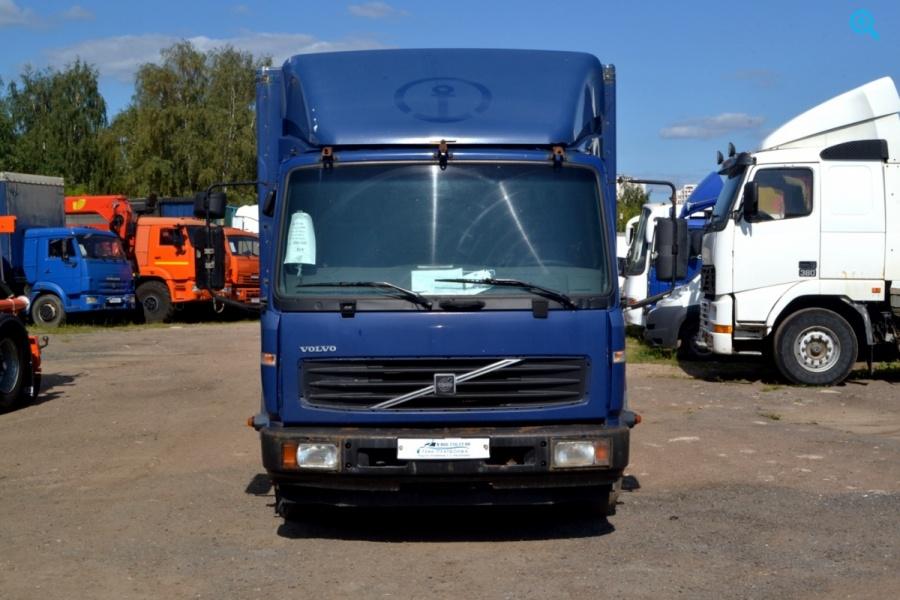 Грузовой фургон Volvo FL180