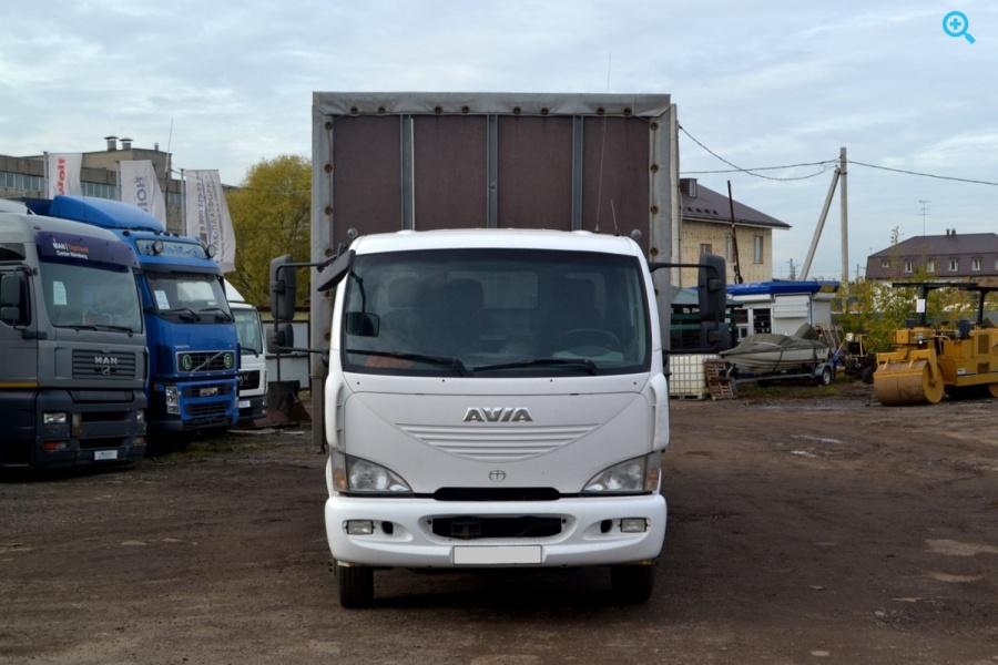 Грузовик шторно-бортовой Avia D120 27814Е