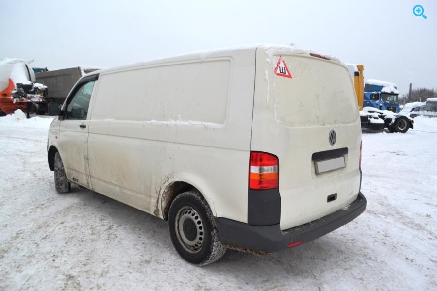 Фургон цельнометаллический Volkswagen Transporter. Год выпуска 2007.