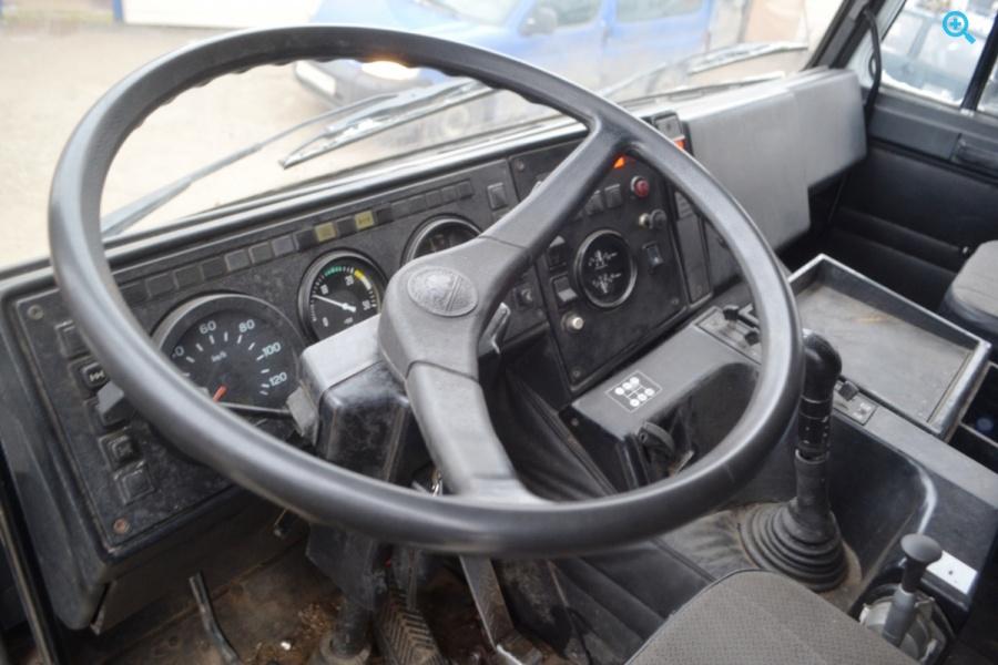 Грузовик бортовой МАЗ 630308-223. Год выпуска 2006