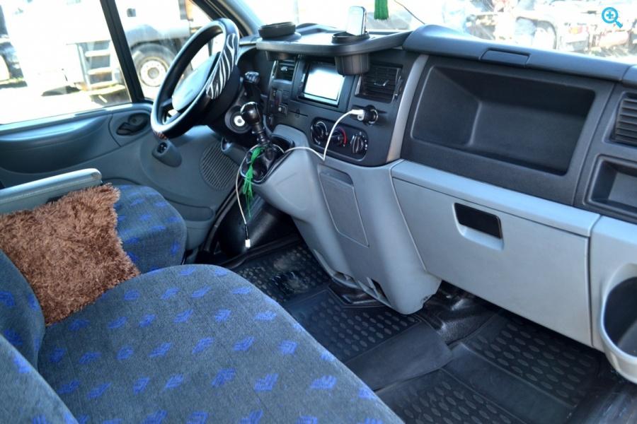 Микроавтобус Ford Transit Год выпуска 2012.