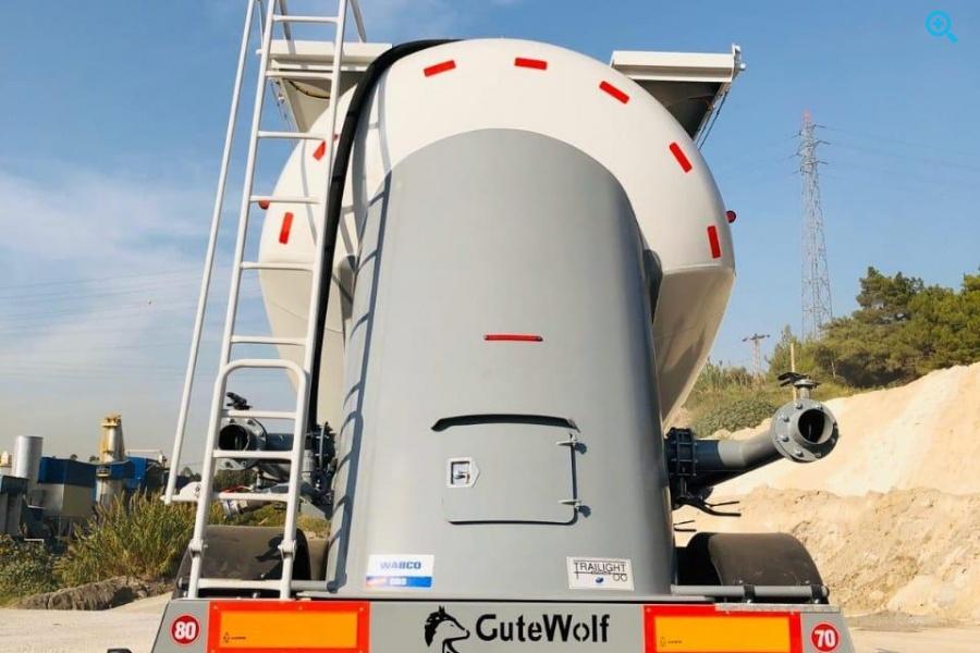 Цементовоз вездеходный формы миллениум GuteWolf