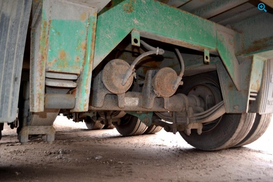Полуприцеп тяжеловоз трал Тверьстроймаш модель 99393