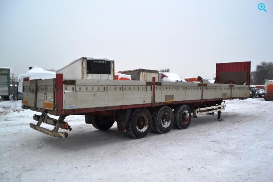 Бортовой полуприцеп Krone SDP27. Год выпуска 2001.