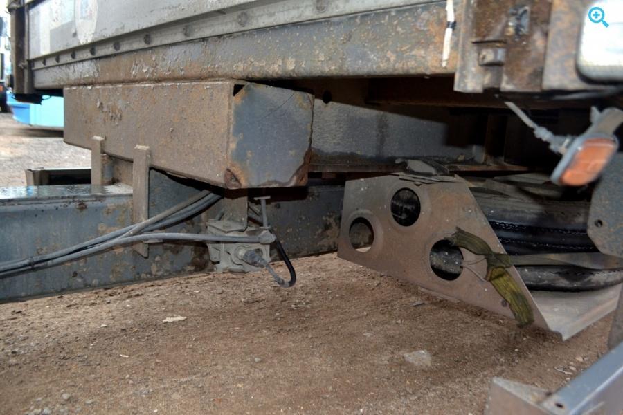 Продается двухосный бортовой , тентованный прицеп KOGEL YN18