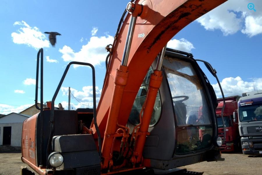 Колесный полноповоротный экскаватор HITACHI 130W – 2007 года выпуска