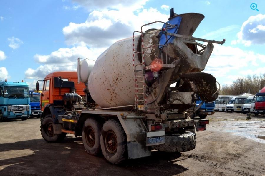 Автобетоносмеситель на шасси Камаз-43118. Год выпуска 2012.
