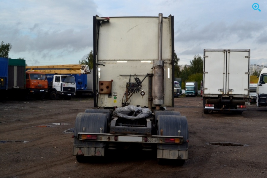 Седельный тягач International 9400I SBA 6x4
