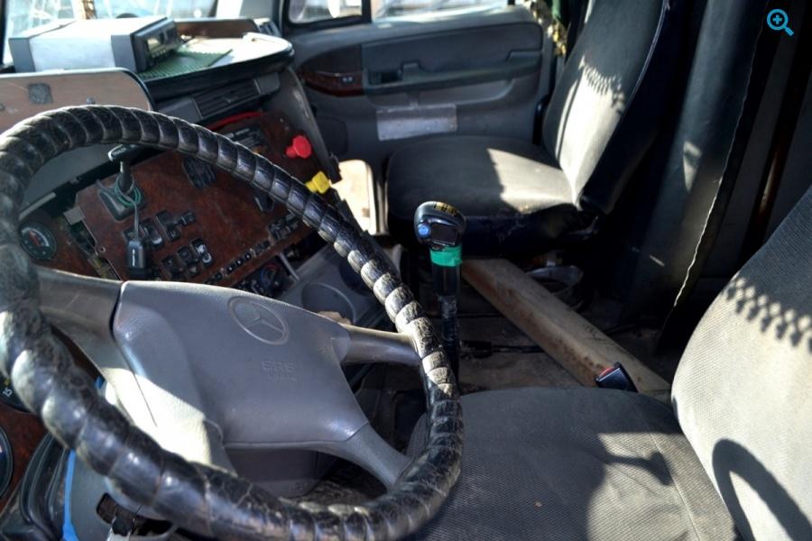 Грузовой тягач седельный FREIGHTLINER CENTYRY 2003 года впуска.