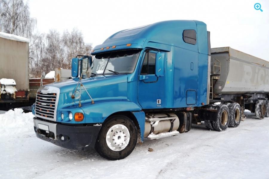Седельный тягач Freightliner Century ST120064ST. Год выпуска 2005.