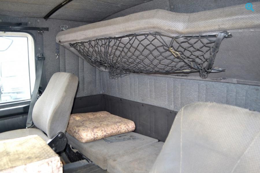 Грузовой тягач седельный Маз 6422А8-330