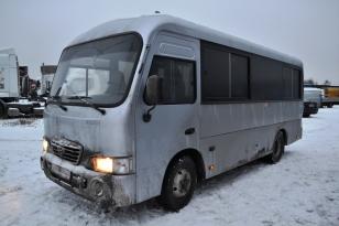 Автобус HYUNDAI HD County 2011 года выпуска.