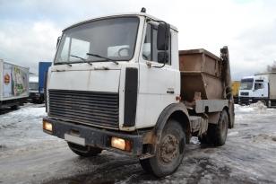 Грузовик мусоровоз МАЗ 555102 с установкой МКС-3101. Год выпуска : 2006.