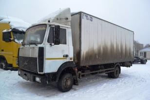 Грузовик фургон изотермический МАЗ 437043. Год выпуска 2010.
