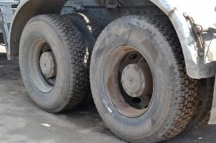 Бортовой грузовик гидравлический кран-манипулятор (тросово-гидравлический бурильный) Palfinger PK 23500 Performance на базе КамаЗ 5328КС