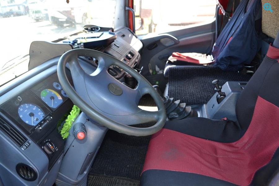 Mercedes Atego 817 грузовик мебельный. Год выпуска : 1998.