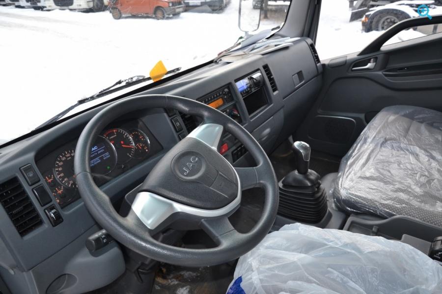 Грузовик шторный тентованый  Volvo FH12.420