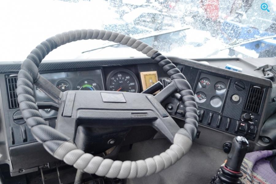 Грузовик фургон Volvo FL 260. Год выпуска 1998.