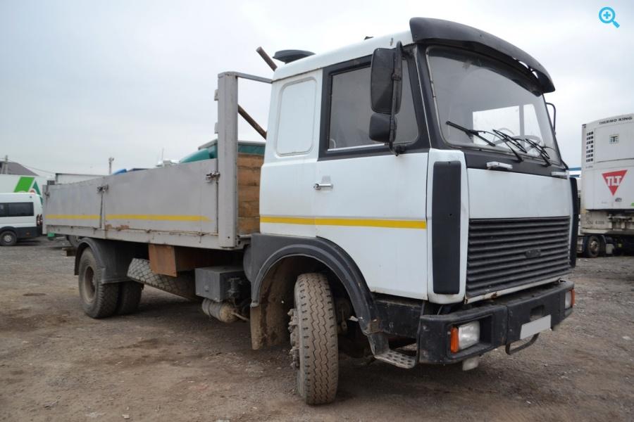 Грузовик бортовой МАЗ 53366. Год выпуска 1998.