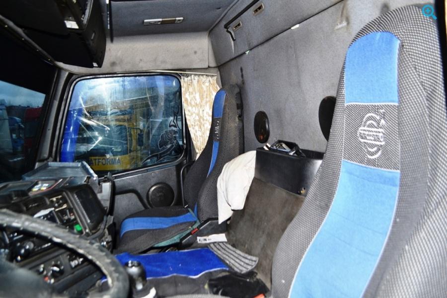 Грузовик фургон Volvo FM 290. Год выпуска 1999.