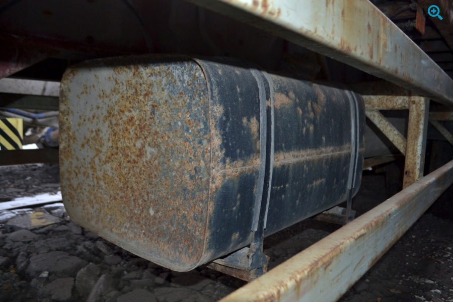 Полуприцеп бортовой МАЗ-938660-41. Год выпуска 2006.