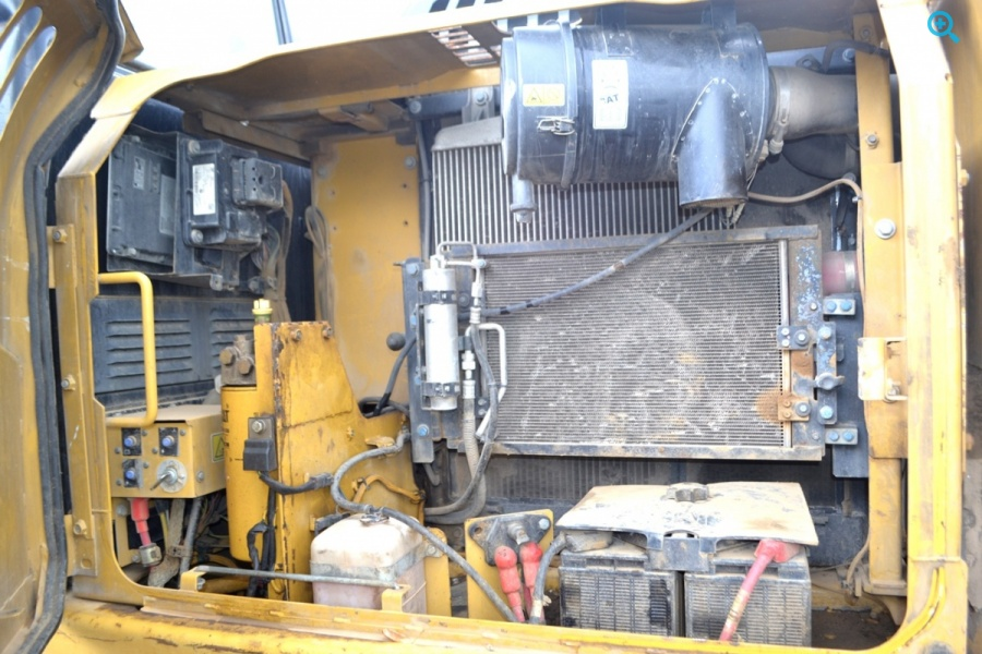 Гусеничный экскаватор СAT 319DL. Год выпуска 2012