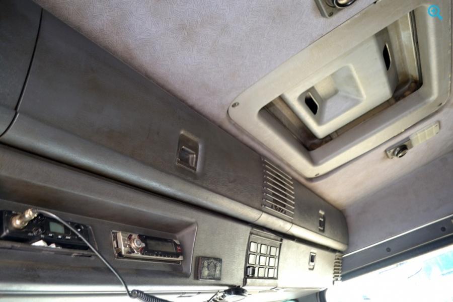 Седельный тягач Scania P310. Год выпуска 2002.