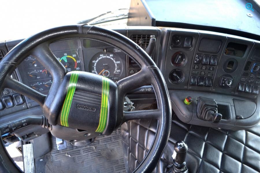Седельный тягач Scania 114.