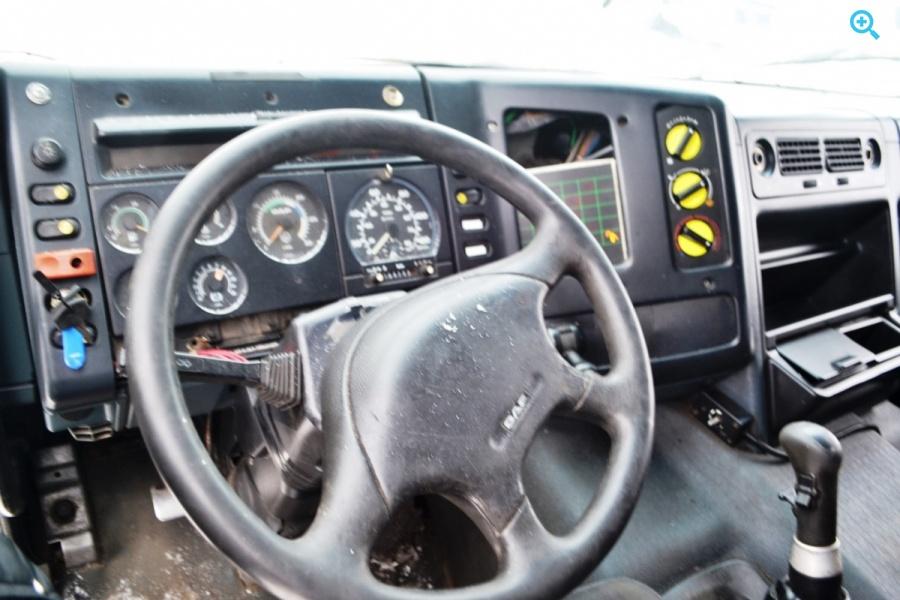Седельный тягач DAF СF 85.380. Год выпуска 2000.