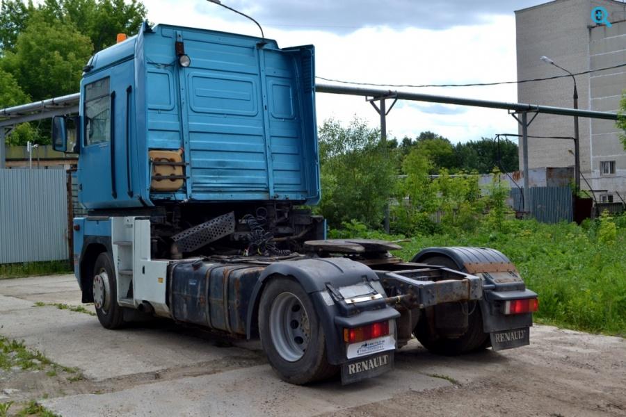 Седельный тягач Renault Magnum АЕ440 18Т. Год выпуска 2003