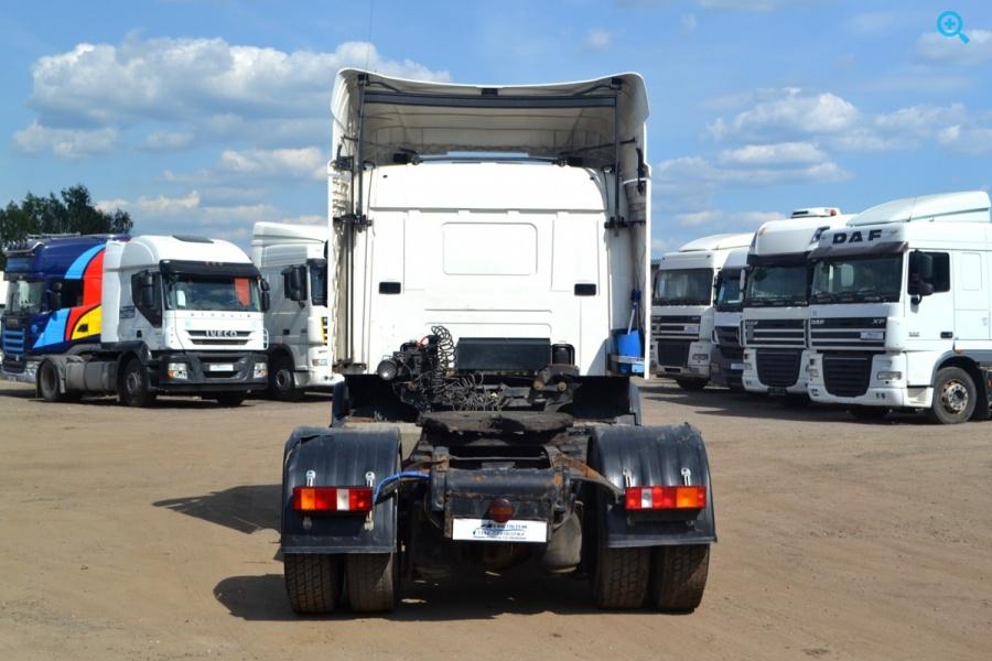 Седельный тягач International 9200i. Год выпуска 2008