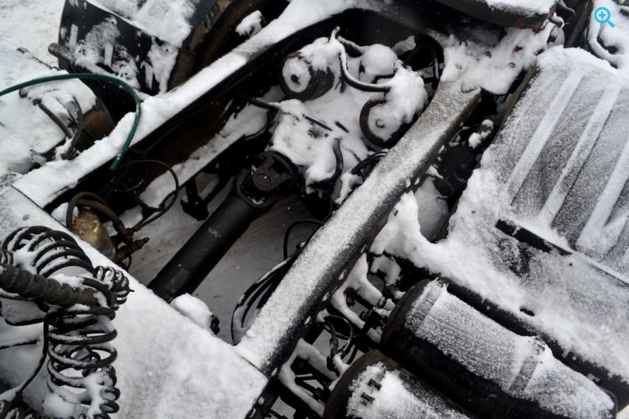 Грузовой тягач седельный МАЗ 6430B9
