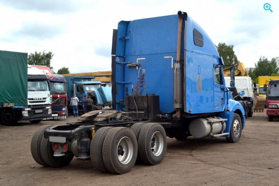 Седельный тягач Freightliner Columbia 2004 г.