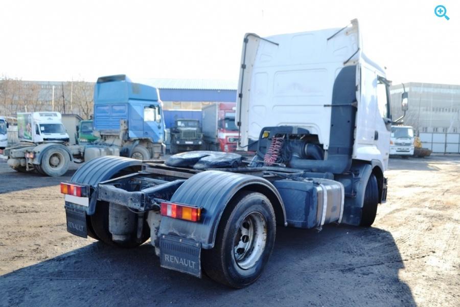 Седельный тягач Renault Premium. Год выпуска 2001.