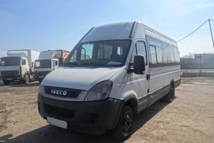 Микроавтобус Iveco 2011 года выпуска