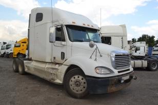 Купить седельный тягач Freightliner Columbia CL120064 ST
