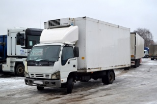 Грузовой фургон рефрижератор ISUZU NQR