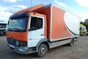 Грузовик фургон MERCEDES-BENZ 815 ATEGO. Год выпуска 1998.