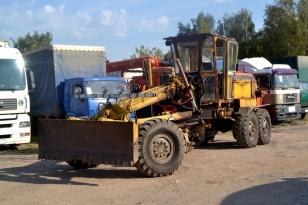 Автогрейдер Брянского завода дорожных машин ДЗ-143-1