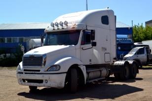 Седельный тягач Freightliner CL 120064ST. Год выпуска 2003.