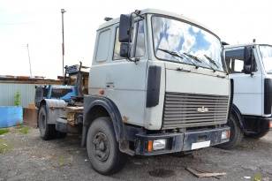 Седельный тягач МАЗ 54329-020. Год выпуска 2002.