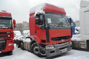 Седельный тягач Renault Premium. Год выпуска - 2001.